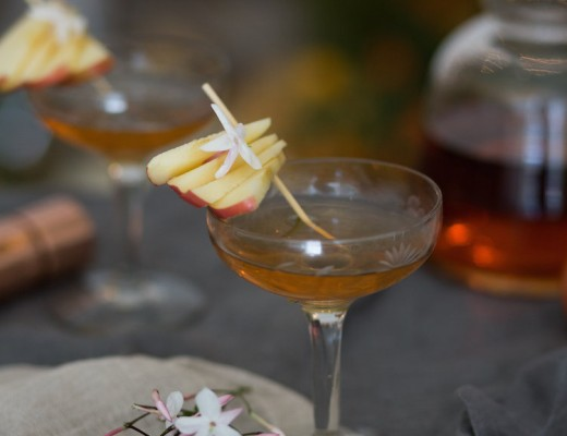 flowers in the orchard cocktail // craftandcocktails.co