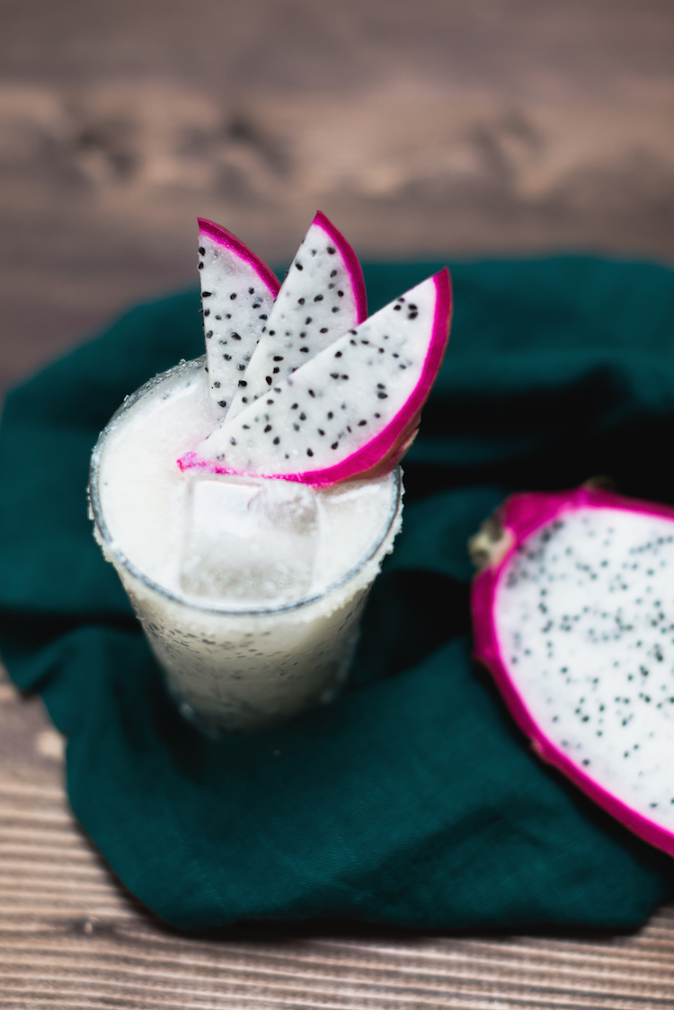 Pineapple DPineapple Dragon Fruit Margarita // craftandcocktails.co