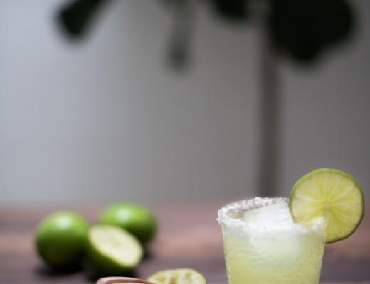 classic margarita recipe // craftandcocktails.co