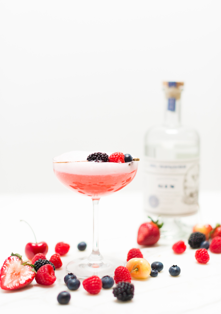 Cherry Berry Sparkler cocktail // recipe on craftandcocktails.co