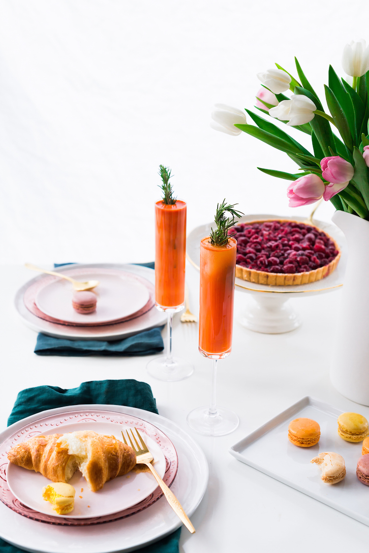 Spring Brunch and Carrot Ginger Grapefruit Mimosa | recipe on craftandcocktails.co