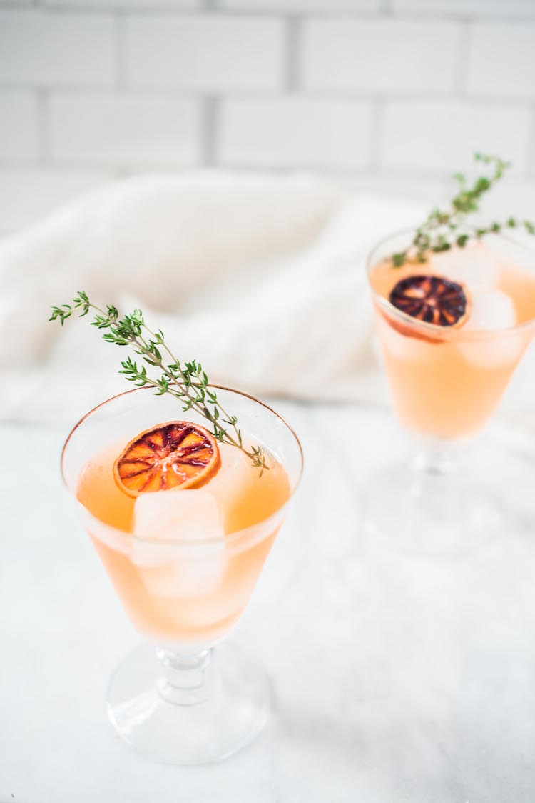 Ginger Thyme Blood Orange Sparkler cocktail | Craftandcocktails.co