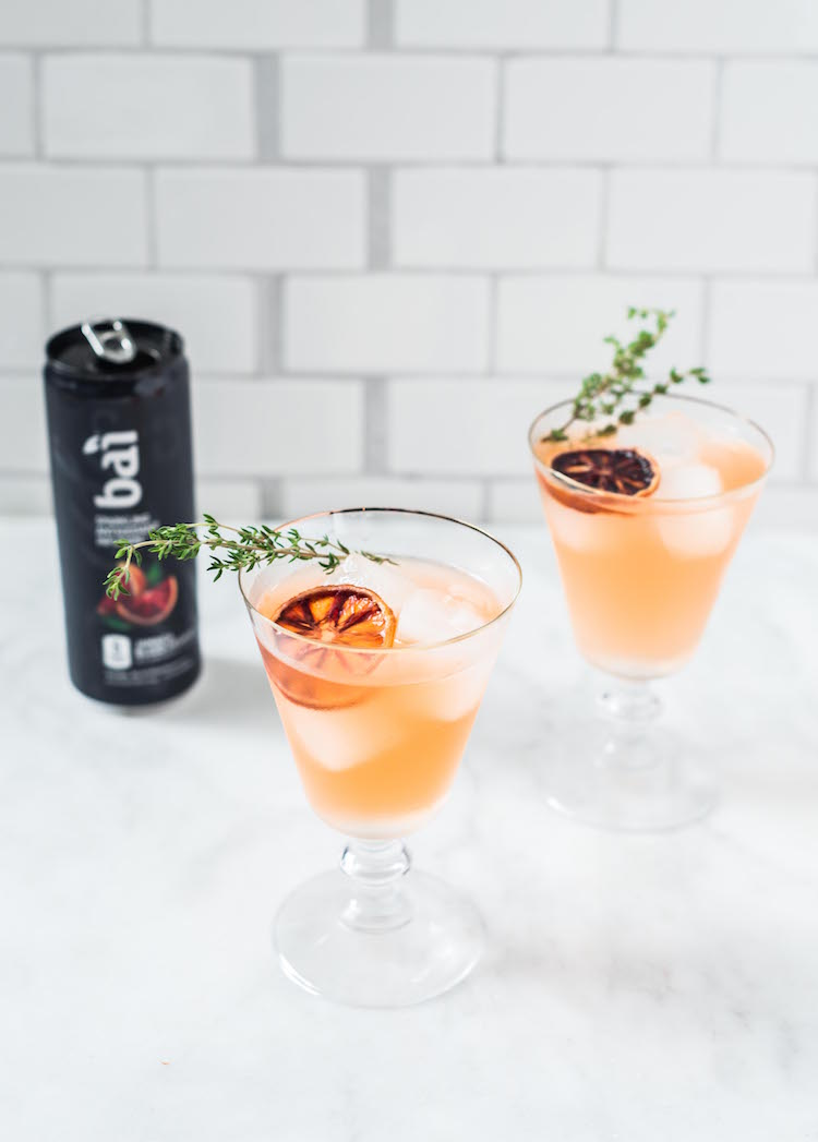 Ginger Thyme Blood Orange Sparkler cocktail with Bai Bubbles | Craftandcocktails.co