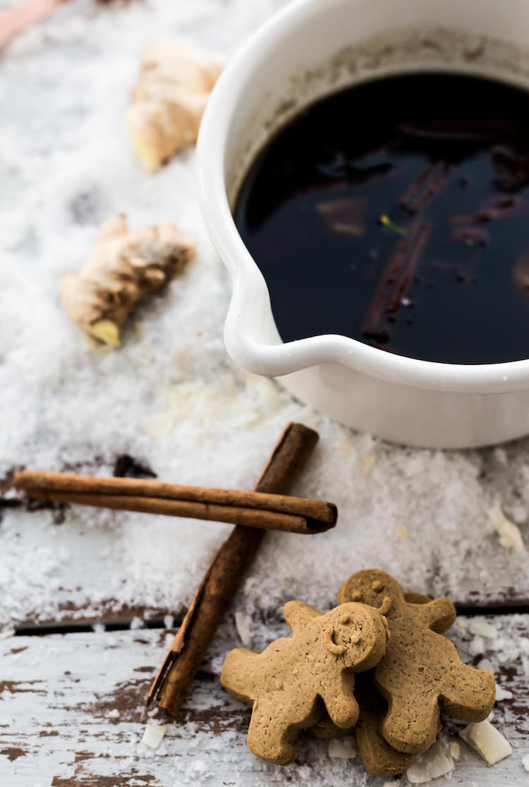 Gingerbread Syrup | get the recipe on Craftandcocktails.co