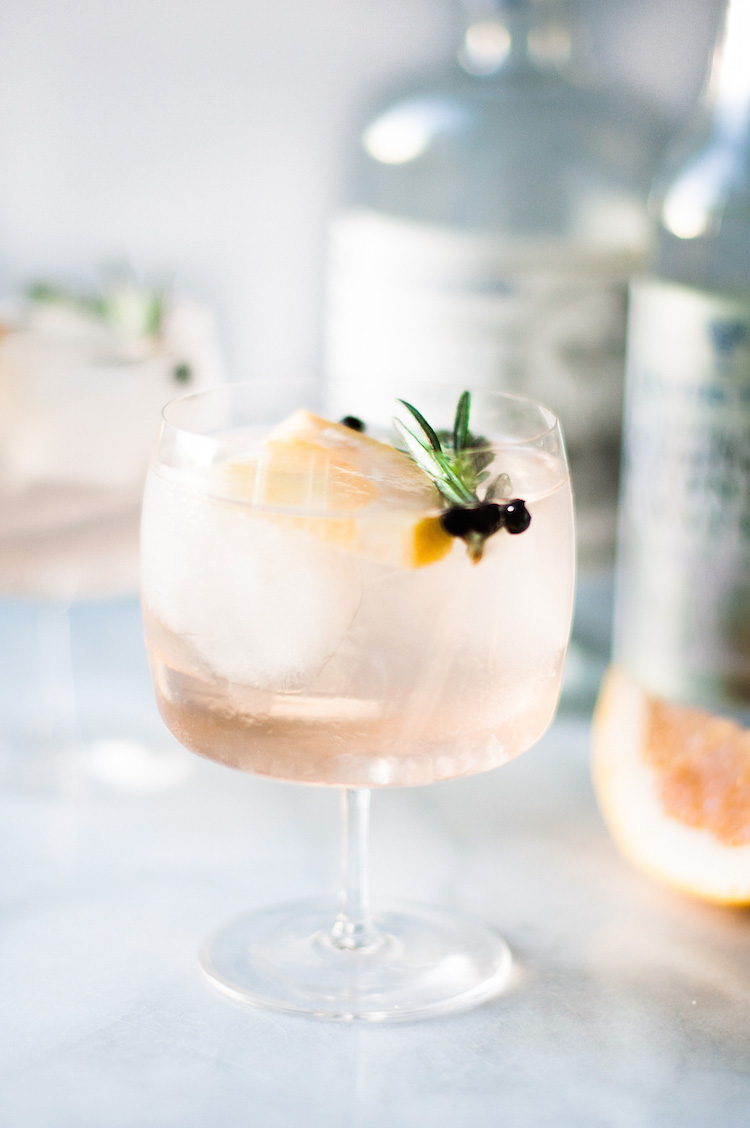 Elderflower Spanish Gin & Tonics // craftandcocktails.co